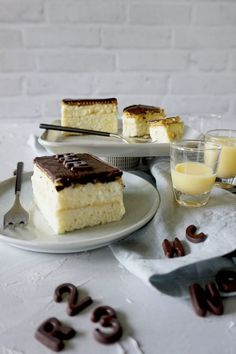 Eierlikörschnitten - Anjas Backbuch Cheesecake, Desserts, Food, Sheet Cakes, Cookie Recipes, Dessert Ideas, Tailgate Desserts, Meal, Cheese Cakes