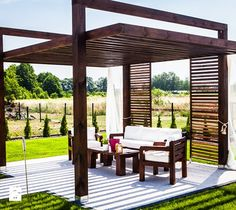 Aranżacje wnętrz - Ogród: Ogród Bali STYLE - Duży ogród za domem z pergolą - newmarketing. Przeglądaj, dodawaj i zapisuj najlepsze zdjęcia, pomysły i inspiracje designerskie. W bazie mamy już prawie milion fotografii!