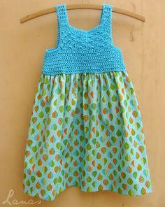 http://www.lanasdeana.blogspot.com.es/2014/08/aqua-summer-dress.html