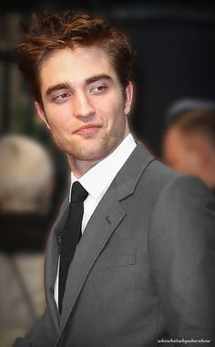 Ladies and gentlemen, may I present the one and only Beautiful Bastard - Rob Pattinson