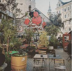 Die schönsten Gastgärten in Wien – Teil 1   1000things City Life, Vienna, Patio, House Styles, Places, Outdoor Decor, Painting, Austria, Home Decor