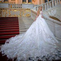 Beautiful & Breath-taking Wedding Gown 💖⚘ Beautiful & Breath-taking Wedding Gown 💖⚘ Gold Wedding Gowns, Princess Wedding Dresses, Dream Wedding Dresses, Wedding Attire, Bridal Dresses, Boho Wedding, Luxury Wedding, Wedding Bride, Gorgeous Wedding Dress