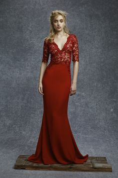 We're always on the lookout for evening wear that is stunning and sophisticated. That is what the Reem Acra Pre-Fall 2015 collection is all about. The rich tones and dramatic style evoke luxu… Fashion Mode, Moda Fashion, Fashion Show, Stella York Bridal, Mermaid Prom Dresses, Evening Dresses, Reem Acra, Fall 2015, Clothes