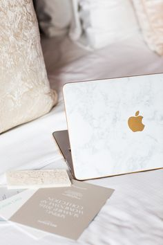 Marble and gold computer case Laptops For Sale, Best Laptops, Computer Case, Laptop Computers, Apple Laptop Stickers, Laptop Screen Repair, Marble Case, Marble Laptop Case, Laptop Storage