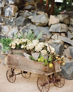 62 Top Floral Designers to Book for You Wedding - Max Gill Design