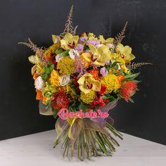 """În loc de ,,week-end plăcut"""", un buchet numai lumină și căldură!   #florarie #livrareflori www.buchete.ro Floral Wreath, Wreaths, Fall, Home Decor, Autumn, Floral Crown, Decoration Home, Door Wreaths, Fall Season"""
