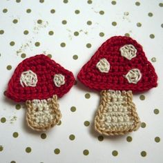 ideetje 2pcs - Mushroom Crochet Appliques - Mama Shroom and Baby Shroom in red with beige dots - made to order. $1,30, via Etsy.