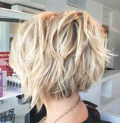 Short Hairstyles For Thick Hair, Layered Bob Hairstyles, Haircut For Thick Hair, Short Bob Haircuts, Hairstyles Haircuts, Short Hair Cuts, Wavy Hair, Haircut Bob, Fine Hair