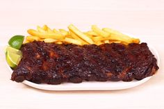 Grilling, or Barbequing is a true American tradition. Barbacoa, Barbeque Sides, Meat Store, Baked Beans, Junk Food, Paleo Recipes, Paleo Food, Coleslaw, Food To Make