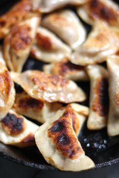 DUMPLINGS!Just typing that word makes me giddy. I hope you guys are excited for them, too!? I became a hardcore dumpling fan a few years ago, and since then, we make them at least once a week. Finger food is just the best! Although chopsticks are fun, too Last weekend I put a tasty Italian …