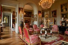 Jean-Louis Remilleux: the secret of history Traditional Interior, Classic Interior, Beautiful Interiors, Beautiful Homes, French Interiors, Drawing Room Design, Drawing Rooms, La Malmaison, Chateau Medieval