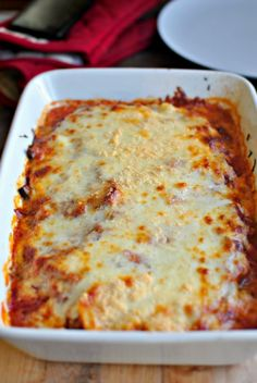 baked spaghetti squash lasagna- Delicious! I took out some of the mozzarella to make it healthier and instead replaced it with a layer of 1.5 c fat free cottage cheese, 1 tsp italian seasoning, and 2 cloves minced garlic- Diana