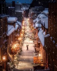 It's never too early to start planning holiday travel! And when the temperature dips, this neighborhood in Canada looks like something straight out of a holiday movie. Find out how to travel here at our link in bio! Christmas Scenery, Winter Scenery, Christmas Mood, Noel Christmas, Christmas Pictures, Vintage Christmas, Christmas Cookies, Christmas Weather, Canadian Christmas