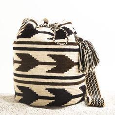Guajira Mochila Bag – AUTHENTIC HANDMADE MOCHILA BOHO BAGS | WAYUU TRIBE