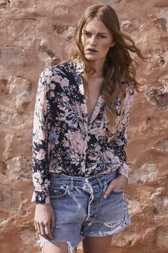 With a boyfriend-style collar and pocket detailing, this soft rayon piece looks amazing paired with blue denim for laid-back Sunday afternoons. Made from Auguste's exclusive Francis Floralprint, this is sure to brighten up any outfit.