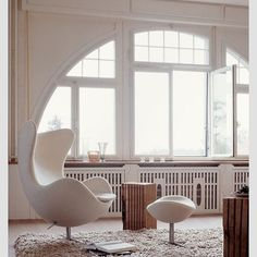 Egg Chair 1958. Designed by Arne Jacobsen. #dsigners #design #designer #interiordesign #interior #interiordesigner #architect #architecture #decorating #style #chair #eggchair