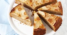 Sugar-free apple and spice cake. Dried figs lend sweetness to this sugar-free apple cake. Sugar Free Apple Cake, Sugar Free Baking, Sugar Free Desserts, Sugar Free Recipes, Just Desserts, Sweet Recipes, Yummy Healthy Snacks, Healthy Cake, Healthy Baking