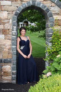 Christina's World blog: Wedding  #wedding #weddingphotography #bridalparty #bridesmaidsdresses #bridesmaidpictures #photoideas #navydresses #maidofhonor