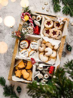 #cookies #christmascookierecipes #christmascookie #weihnachtsbäckerei #kekse #keksebacken #plätzchen #plätzchenrezept #christmascookiesbox #christmascookiebox Cookie Box, Christmas Cookies, Dairy, Cheese, Desserts, Food, Winter, Instagram, Baking Cookies
