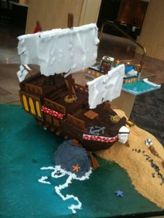 Gingerbread Pirate Ship - National Gingerbread Showcase #gingerb2012 2nd Prize Amateur- Inn at Laurel Point, Victoria BC