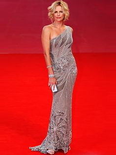 Charlize Theron  in glorious Versace