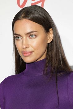 Here's a style file of the Russian beauty Irina Shayk from Red Carpet to Street-style and more. See the brunette looks, Outfits and Clothin. Top Models, Irina Shayk Style, Irina Sheyk, Erin Heatherton, Russian Beauty, Bradley Cooper, Bikini Photos, Celebs, Celebrities