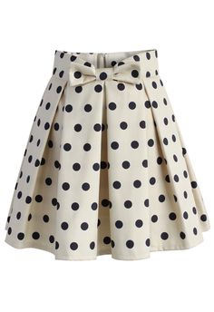 Sweet Your Heart Polka Dots Skirt in Beige - Skirt - Bottoms - Retro, Indie and Unique Fashion Party Rock, Going Out Skirts, Skirt Outfits, Cute Outfits, Bow Skirt, Skirt Pleated, Chicwish Skirt, Beige Skirt, Party Skirt
