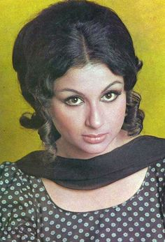 Sharmila Tagore Bollywood Posters, Bollywood Cinema, Bollywood Actors, Bollywood Celebrities, Indian Celebrities, Indian Actress Pics, Indian Bollywood Actress, Bollywood Actress Hot Photos, Rekha Actress