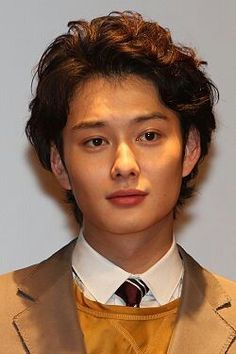 Okada Masaki Japanese Gif, Japanese Love, Japanese Drama, Beautiful Boys, Pretty Boys, Hanazakari No Kimitachi E, Okada Masaki, Guy Drawing, Asian Hair
