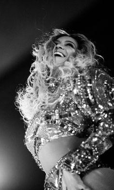 Beyoncé Training World Tour Stade de France Paris France July 2016 - Beyoncé Formation World Tour Stade de France Paris France July 2016 - Beyonce 2013, Beyonce Knowles Carter, Beyonce And Jay Z, Rihanna, Beyonce Beyonce, Formation Tour, The Formation World Tour, Destiny's Child, Paris France
