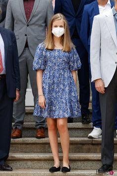 Princess Of Spain, Prince And Princess, Leonor Princess Of Asturias, Windsor, Princes Sofia, Look 2018, Spanish Royal Family, Kids Fashion, Fashion Outfits