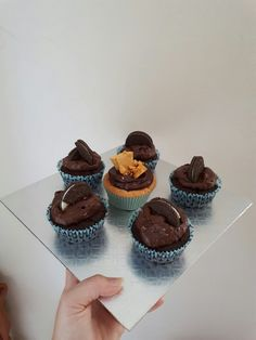 Vegan Chocolate Oreo Cupcakes & Vegan Vanilla Honeycomb