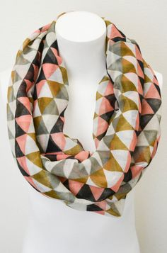 Geo infinity scarf (pattern, colour, accessories)