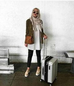 Hijabi traveling style – Just Trendy Girls