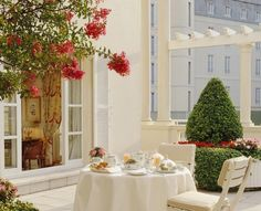 Le Bristol Paris - an Oetker Collection Hotel in Paris Outdoor Rooms, Outdoor Dining, Outdoor Gardens, Rooftop Gardens, Outdoor Retreat, Hotel Bristol Paris, Palaces, Paris Rooftops, Home Buying Tips