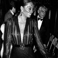 Diana Ross: style and elegance. deep v
