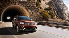 Jeep® Grand Cherokee Summit Features Best In Class 30 Highway Mpg Fuel  Economy