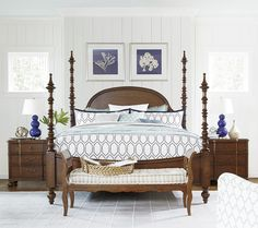 Universal Dogwood The Dogwood Queen Bed with Adjustable Posts