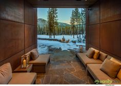 Located near Lake Tahoe, California, the Martis Camp House by Swaback Partners impresses due to its elegant cottage-like architecture. Mansions, House Design, Contemporary House Design, Decor Design, Contemporary House, House Near Lake, Camp House, Villa Design, Warm Living
