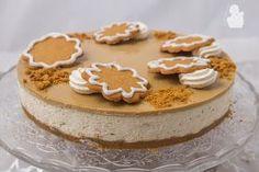 Rakastan juustokakkuja. Niihin on olemassa loputtomasti erilaisia makuvariaatioita. Tähän herkulliseen joululta maistuvan juustokakkuun t... Xmas Desserts, Sweet Desserts, No Bake Desserts, Sweet Recipes, Xmas Food, Christmas Baking, Bakery Cakes, Desert Recipes, Cakes And More