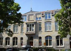 Calandstraat 5, 7 en 11 is een rijksmonument.   De gebouwen zijn in drie fasen gebouwd in 1908, 1911 en 1930 in de bouwstijl Overgangsstijl met bloemmotieven in Jugendstil.  Voorheen kantoor en leslocatie SKVR