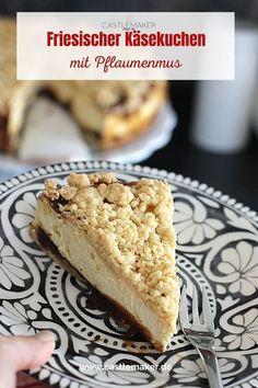 Dieser friesische Käsekuchen mit Pflaumenmus und Streuseln ist perfekt für alle Käsekuchenfans. Das Rezept für den köstlichen Käsekuchen aus der Springform gibt es auf Castlemaker.de Cheesecakes, Banana Bread, Pie, Cooking, Desserts, Food, Quick Cake, Plum Jam, Sprinkles