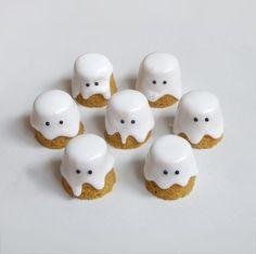 Pumpkin ghost cakes.