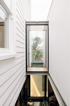 horizontal and vertical weatherboard in one color