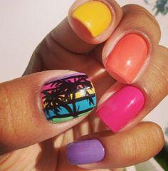 Colorful Summer Nail Designs #nails #naildesigns #summernaildesigns http://naildesignsite.com/summer-nail-designs/