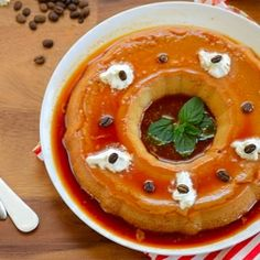 A delicious, outrageously smooth, gluten-free Coffee Flan with Caramel Sauce that requires only 5 ingredients... For COFFEE LOVERS!!! Foods With Gluten, Gluten Free Desserts, Fun Desserts, Delicious Desserts, Yummy Food, Eggless Desserts, Tamarindo, Brazilian Chocolate, French Desserts