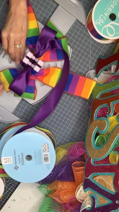 Diy Bow, Diy Ribbon, Ribbon Crafts, Wreath Crafts, Ribbon Art, Fun Crafts, Wedding Crafts, Diy Wedding Decorations, Fall Decorations