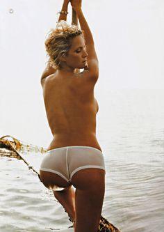 Monika Mrozowska - Playboy 10.2004 (1500×2118)