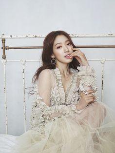 Park Shin Hye - реклама ювелирных изделий марки Swarovski