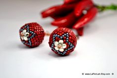 The earrings measure approx 4.5cm (approx 1.8 inches) including the handmade copper earwire, and the diameter of the beaded bead is approx 14mm (approx